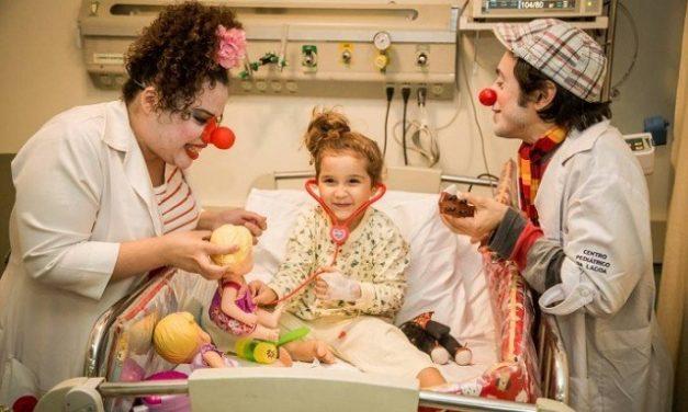 Na semana do Dia das Crianças, palhaços visitam hospitais infantis na Tijuca