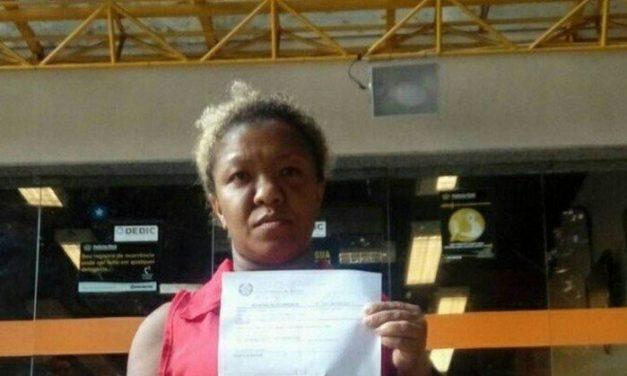 Portadora de nanismo, passista da Viradouro denuncia preconceito em loja da Tijuca