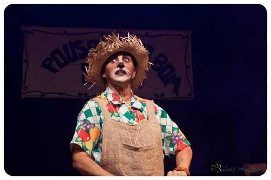 Teatro Ziembinski apresenta 'Os Saltimbancos'