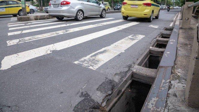 Tampas de bueiros não param de sumir na Tijuca e adjacências e ameaçam pedestres