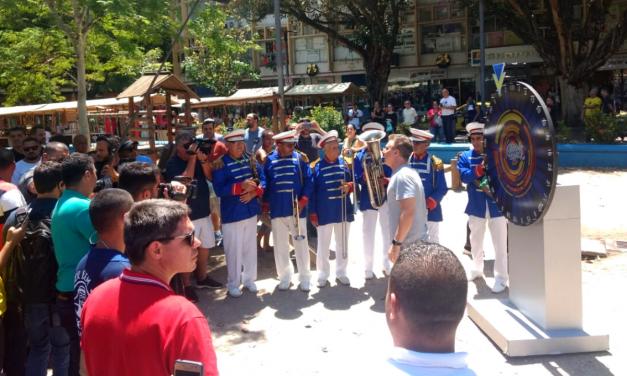 Luciano Huck movimentou a Praça Saenz Pena nessa quarta-feira, 27